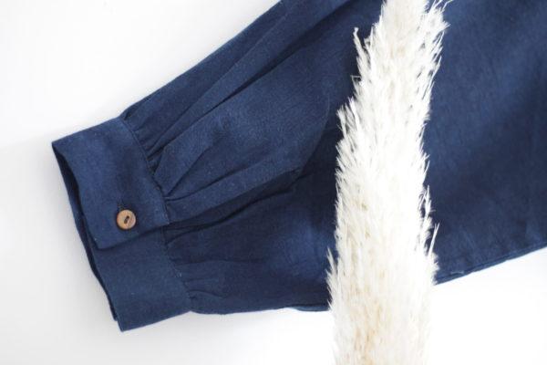 Chemise bleu indigo imprimé détails