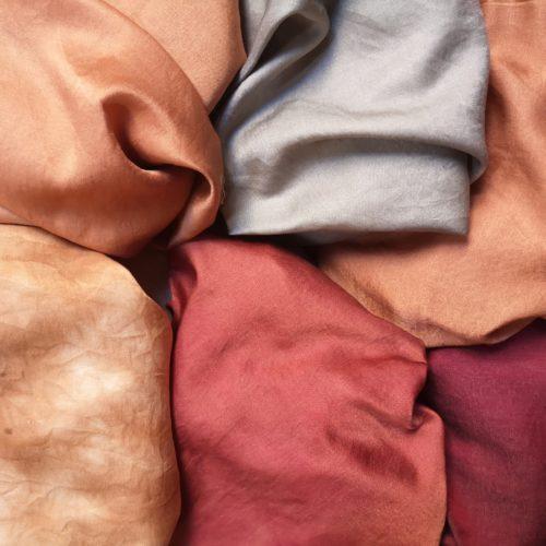 Housse de coussin en soie