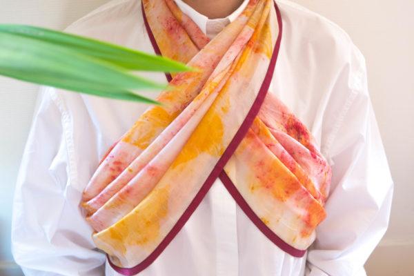 Foulard soie imprimé végétal rose