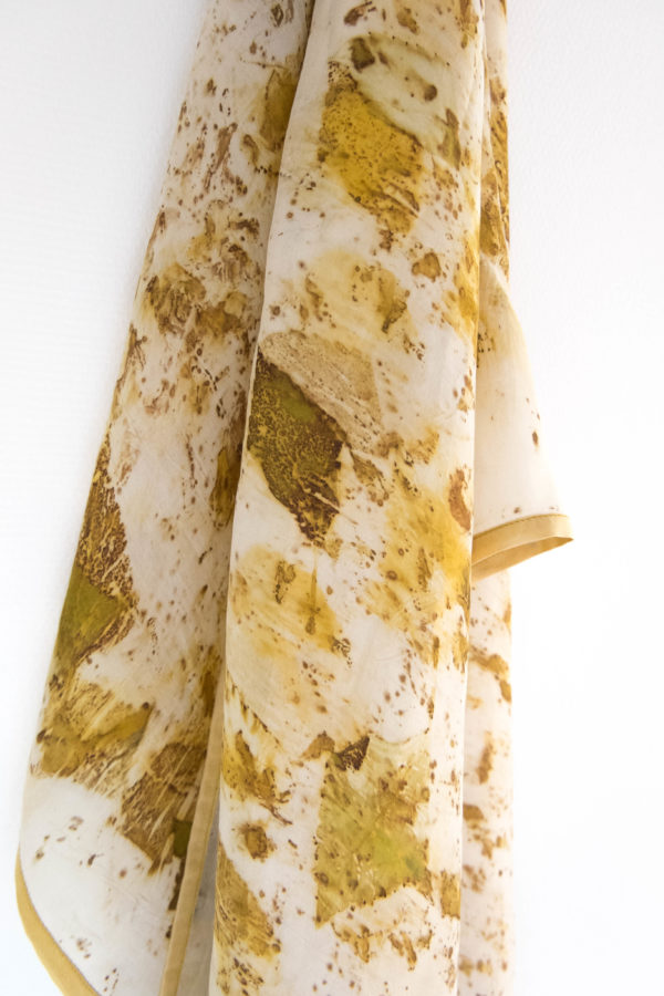 Foulard soie impression végétale jaune